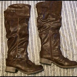 Brown Over-the-knee boots.